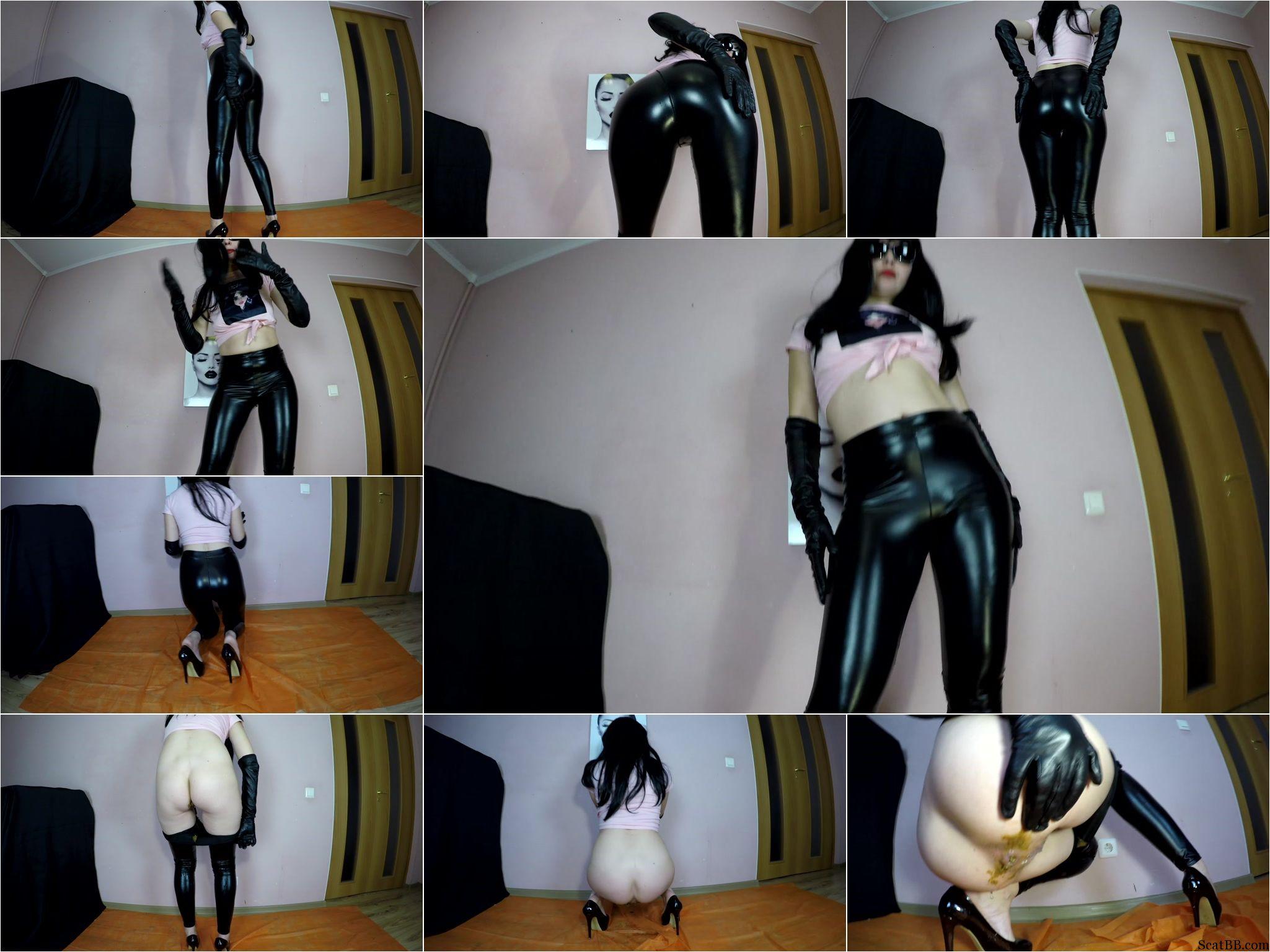 Diabolic_Sigal_-_Poo_in_black_tight_leggins.ScrinList.jpg