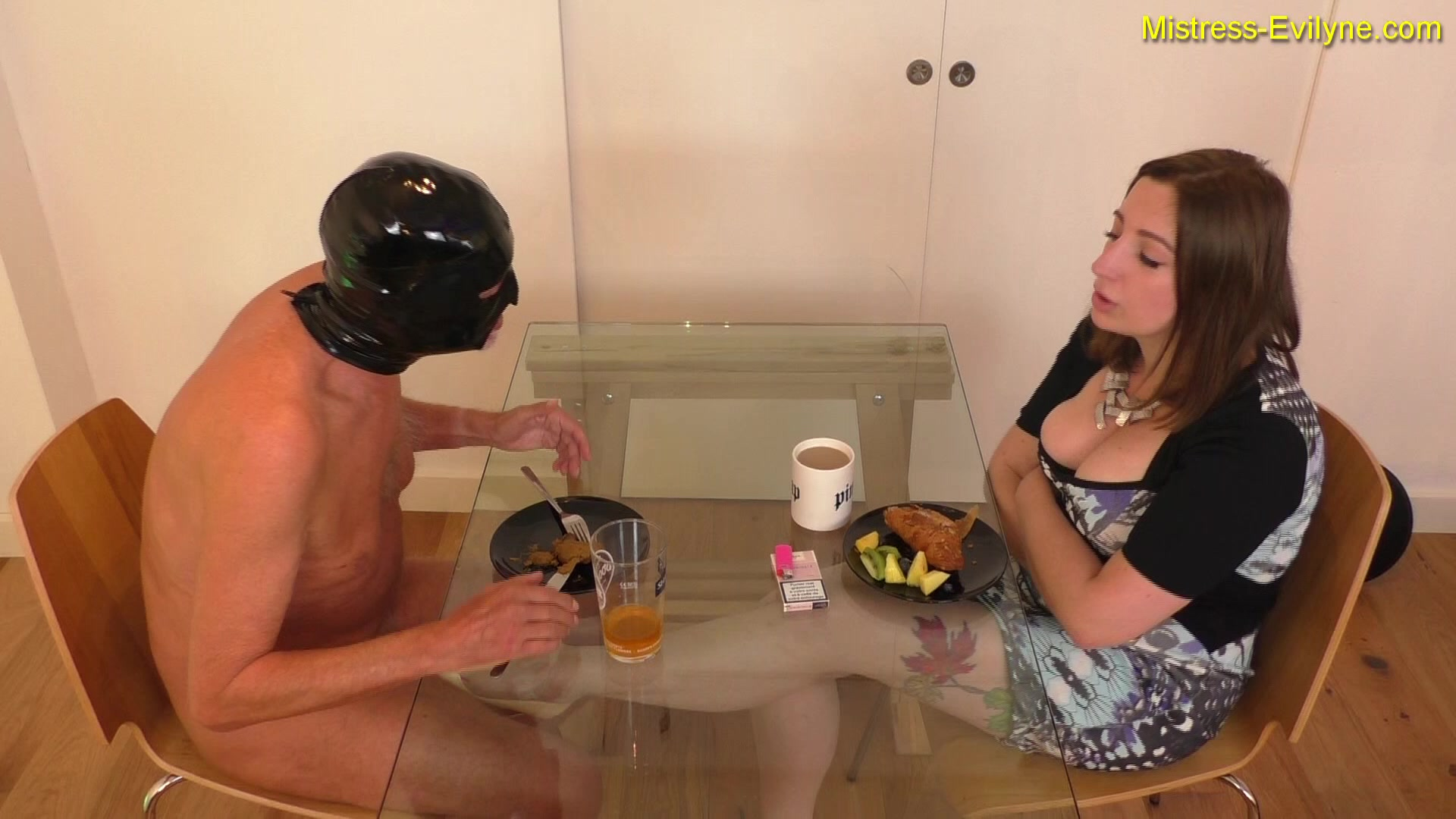 Mistress Evilyne - Breakfast is served! - Full-HD-1080p