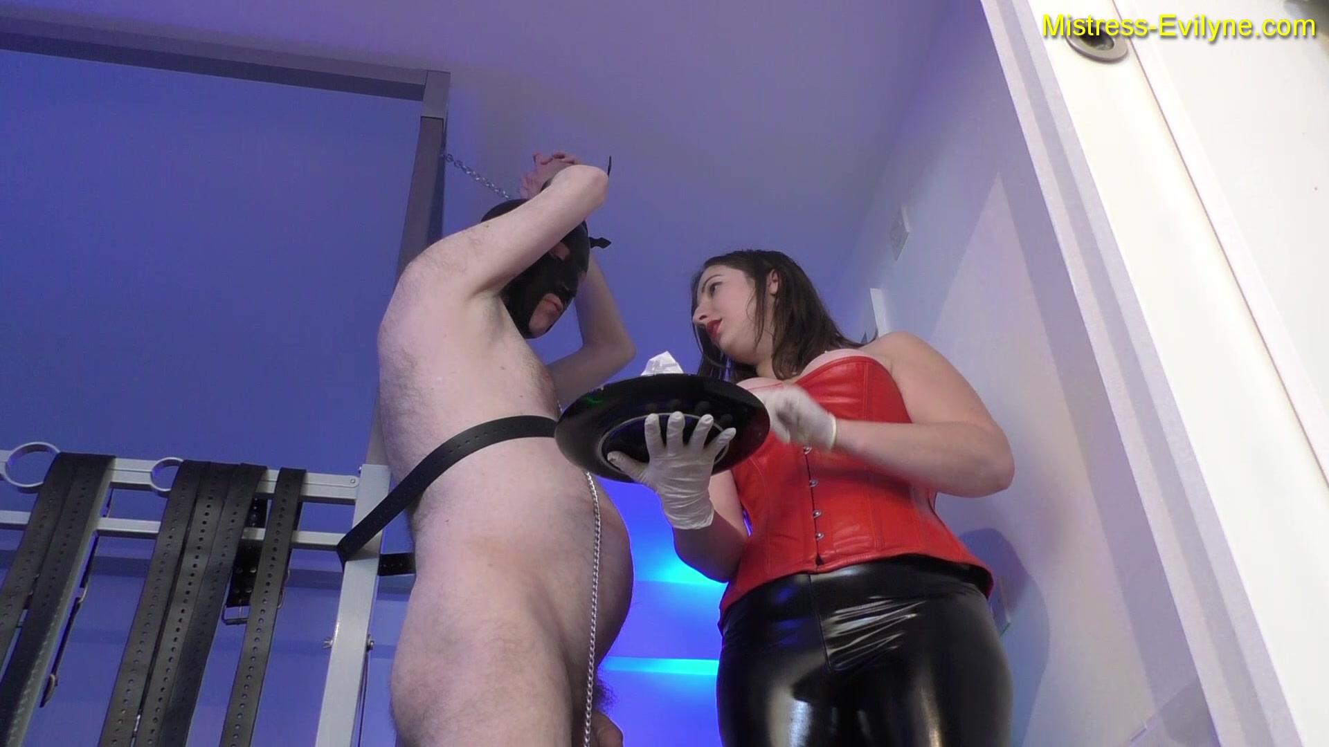 Mistress_Evilyne_-_Helpless_toilet_training.00001.jpg