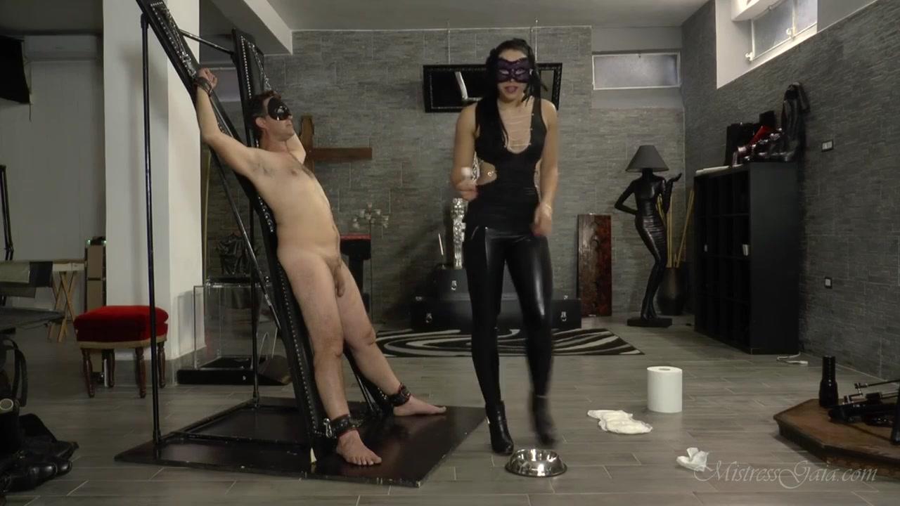 Mistress_Gaia_-_Dog_bowl_to_diaper.00000.jpg