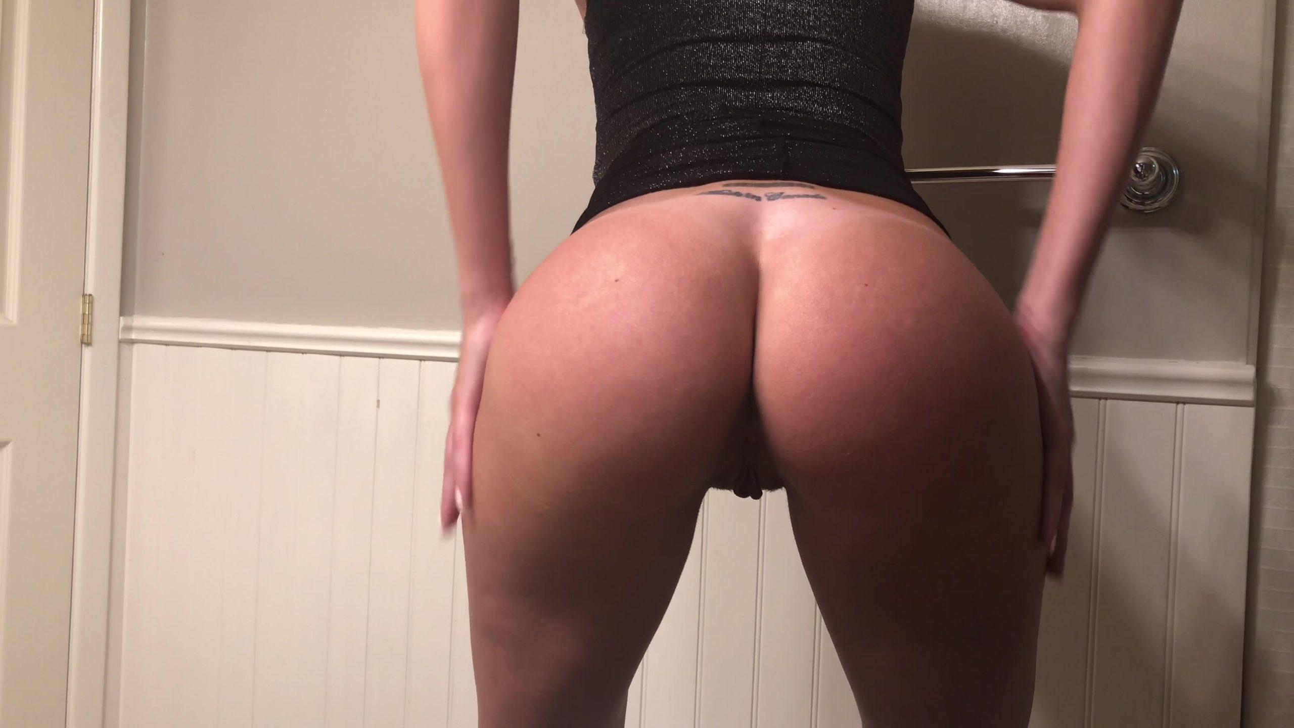 Tina_Amazon_-_Sexy_Dress_Creamy_Shit_On_A_Plate_-_4K.00000.jpg