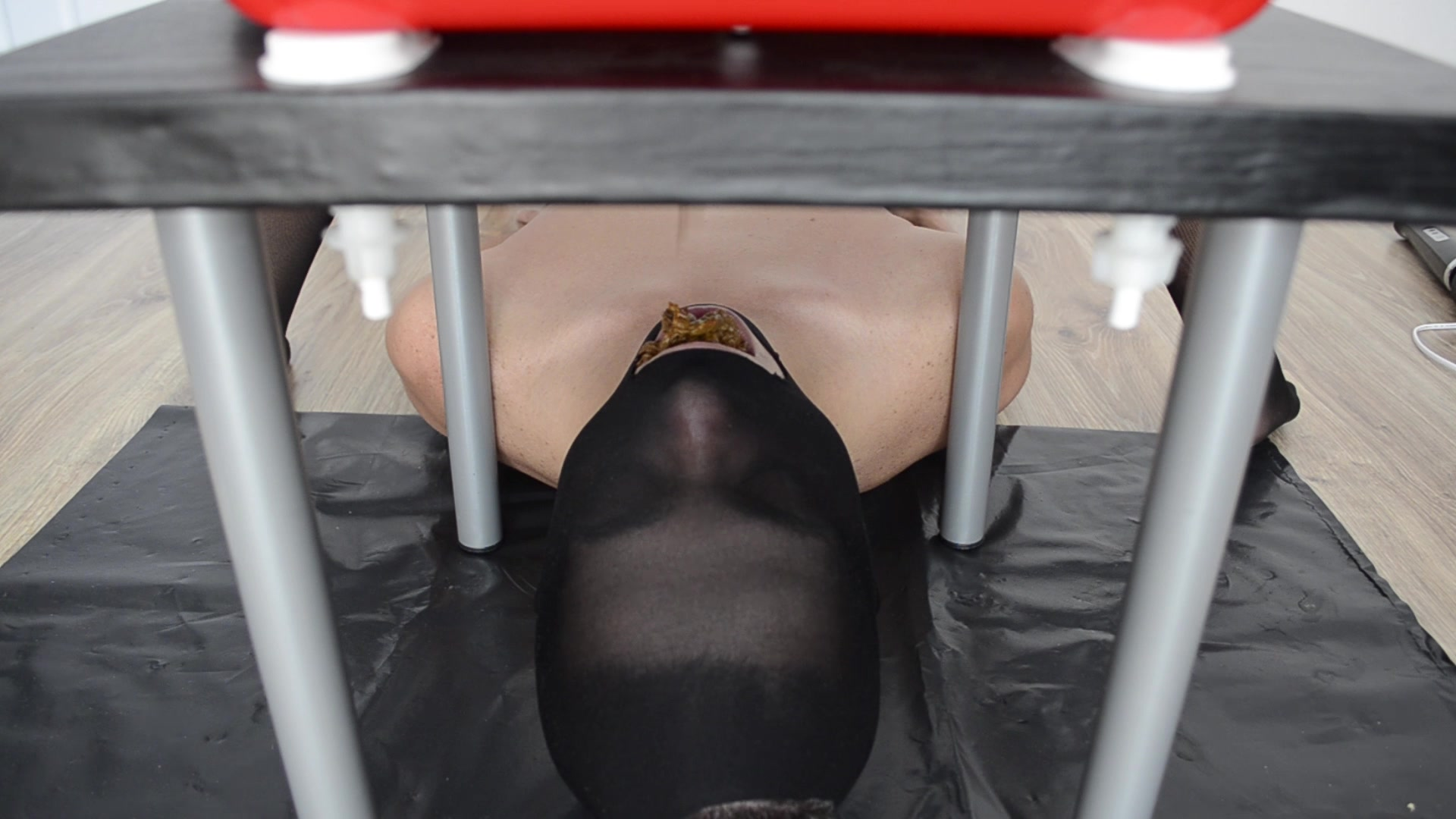 Mistress_Anna_-_Full_mouth_with_creamy_shit.00000.jpg