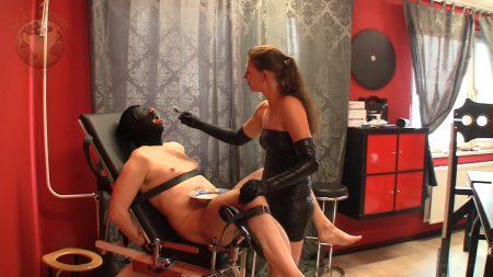 Gyn_Chair_Torture.00004.jpg