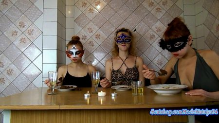 ModelNatalya94_-_Three_Girls_Eating_Their_Own_Shit_-_HD-1080p.00003.jpg