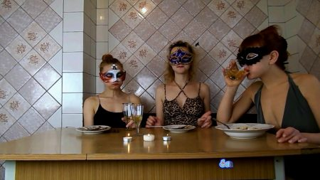 ModelNatalya94_-_Three_Girls_Eating_Their_Own_Shit_-_HD-1080p.00004.jpg