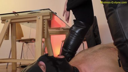 Mistress-evilyne.com_-_.mp4.00000.jpg