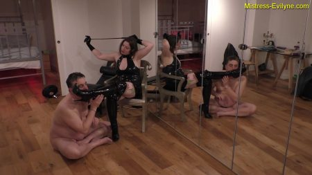 Mistress_Evilyne_-_Feeding_Time.mp4.00000.jpg