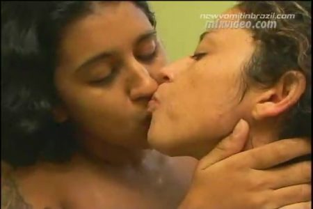 _Newvomitinbrazil.com__Kiss_and_Vomit_-_Latifa__Karla.mp4.00001.jpg
