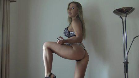 Nikki_Cruel-_Shit_and_feet.mp4.00000.jpg