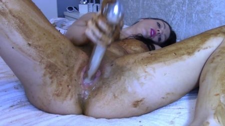 Scatbb.Com-25.Evamarie88_-_Legging_Crackling_Shit_And_Smear.mp4.00003.jpg