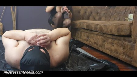 Antonella_-_Caviar_And_Eating_Instructions_-__Ceiscatoculogo_.mp4.00004.jpg
