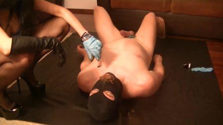Antonella_-_Feeding_The_Toilet_Slave_-__Feeding-The-Slave_.mp4.00002.jpg
