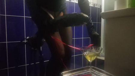 Antonella_-_Huge_Strapon_With_Champagne...Happy_Holidays_My_Slaves_-__Straponandchampagne_.mp4.00004.jpg