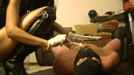 Antonella_-_Luxury_Dinner_For_My_Slave_-__Mistress-Antonella-Kaviar-Slave_.mp4.00004.jpg
