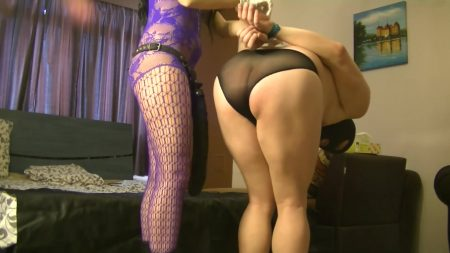 Antonella_-_Monster_Strapon__Blowjob_And_Anal_-__Huge-Monster-Cock-Blowjob-And-Anal_.mp4.00001.jpg