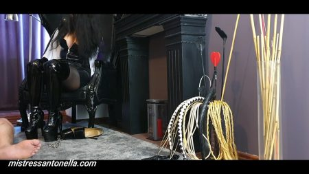 Antonella_-_Nice_Training_And_Caviar_Party_-__Bootsdtraponpoperstoiletcu-Logo_.mp4.00000.jpg