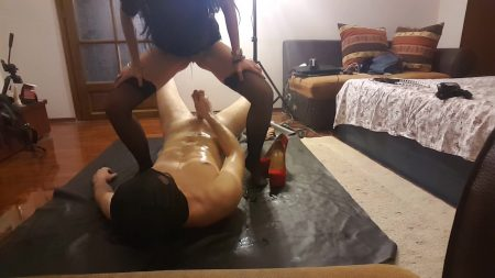 Antonella_-_Peeing_On_Slave__Sucking_Foot_-__Peeingonslavefuckingmouthwithfoot_.mp4.00003.jpg