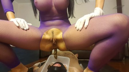 Antonella_-_Pooping_On_My_Slave_s_Face_-__20171016_153234_02_.mp4.00000.jpg