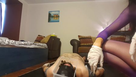 Antonella_-_Pooping_On_My_Slave_s_Face_-__20171016_153234_02_.mp4.00004.jpg
