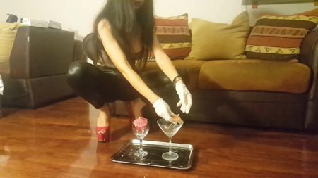 Antonella_-_Preparation_Of_a_Sublime_Champagne_Cocktail_-__Coktail38_.mp4.00001.jpg