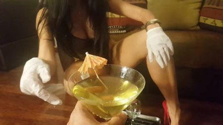 Antonella_-_Preparation_Of_a_Sublime_Champagne_Cocktail_-__Coktail38_.mp4.00003.jpg