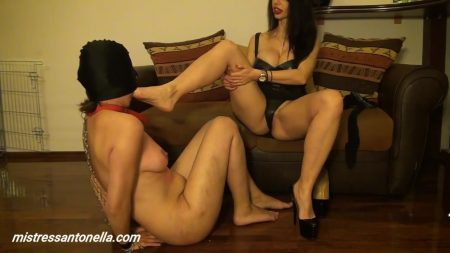 Antonella_-_Punishment_Women_Torture_Strap-On_Champagne___Caviar_-__Filmsclavacutotul2_.mp4.00002.jpg