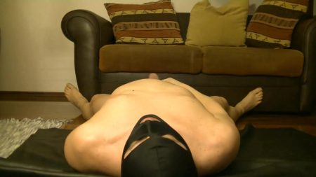 Antonella_-_Slave_Licking_Hot_Kaviar_From_My_Foot_2_-__Antoanella-15-Feb_.mp4.00000.jpg