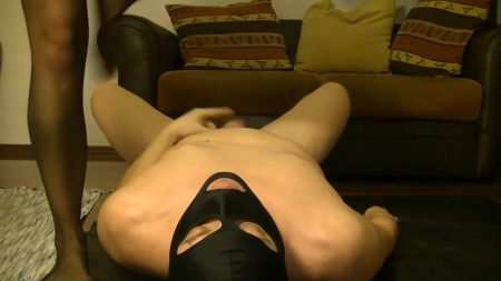 Antonella_-_Slave_Licking_Hot_Kaviar_From_My_Foot_2_-__Antoanella-15-Feb_.mp4.00001.jpg