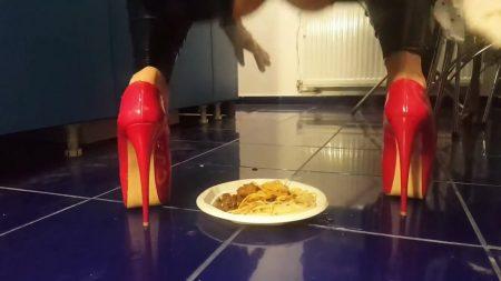 Antonella_-_Spaghetti__Caviar__Champagne___Poppers__Farts_-__Pasta-Kaviar_.mp4.00003.jpg