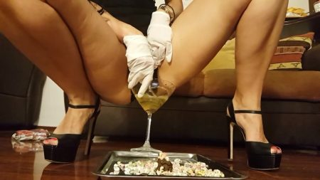 Antonella_-_Special_Breakfast_Of_Chocolate_Cornflakes_And_Champagne_-__Cereals-Meal_.mp4.00003.jpg