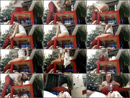 Lady_Milena_-_Santa_Frau_Schei_t_Ihm_Ins_Maul_-_FullHD-1080p.mp4.ScrinList.jpg