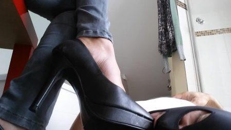 Lady_Milena_-_Sauf_Meine_Kaviar_Suppe_Und_Leck_Meine_Schuhe__-_FullHD-1080p.mp4.00004.jpg