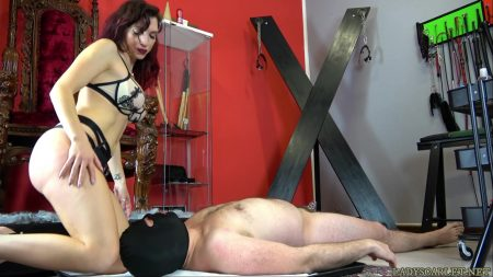 scatbb.com_-_Lady_Scarlet_-_Close_scat_in_chastity.mp4.00002.jpg