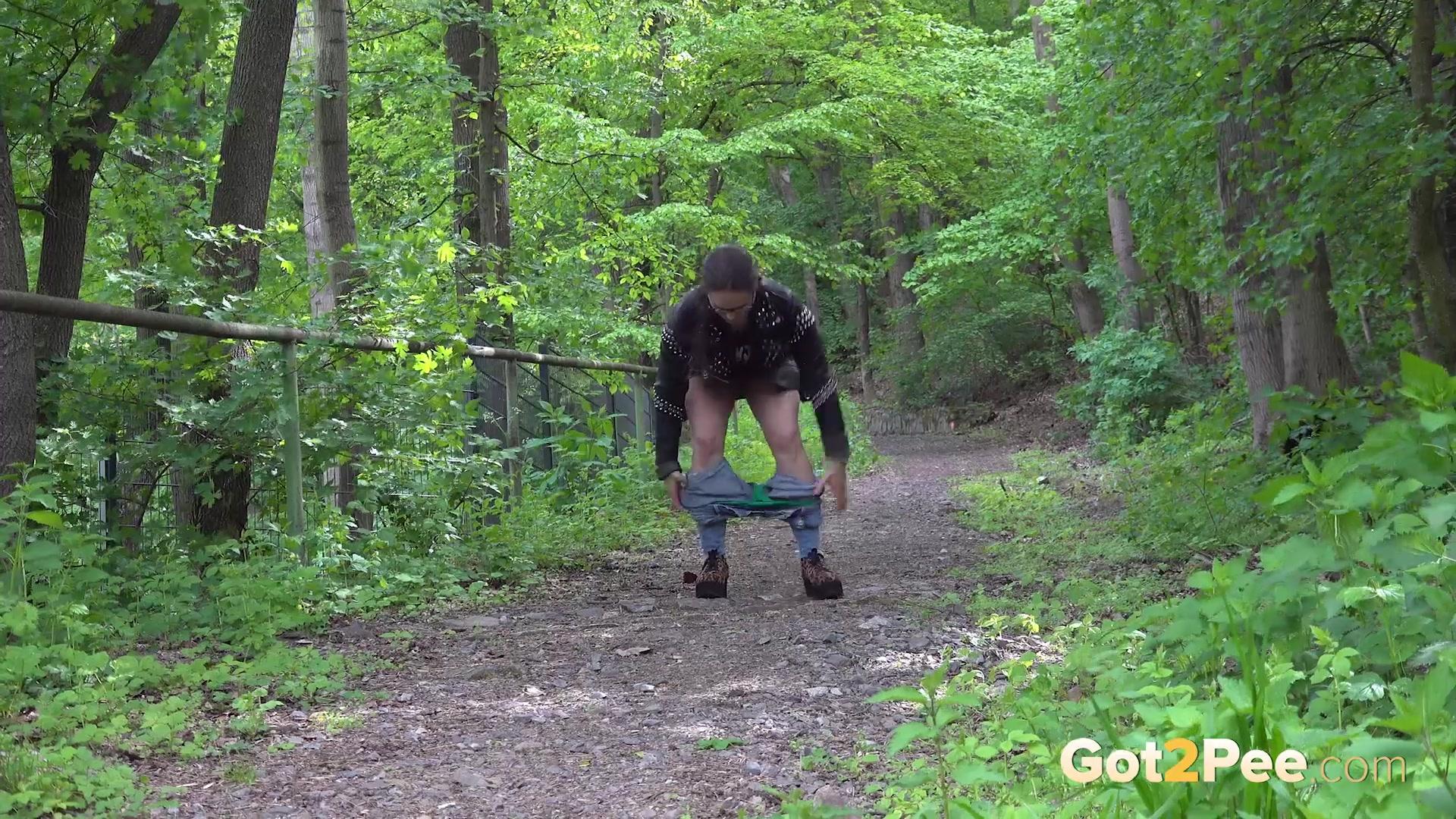 Desperate-In-The-Woods_1080P 00000