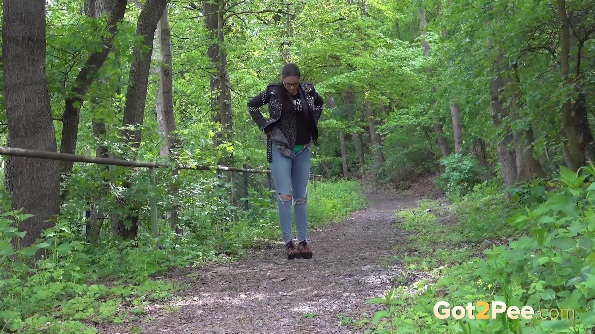 Desperate-In-The-Woods_1080P 00002