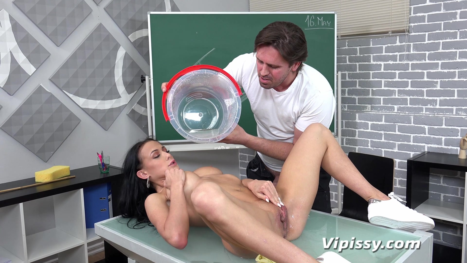 Nicol-Love-First-Piss-Swallow_1080P 00000
