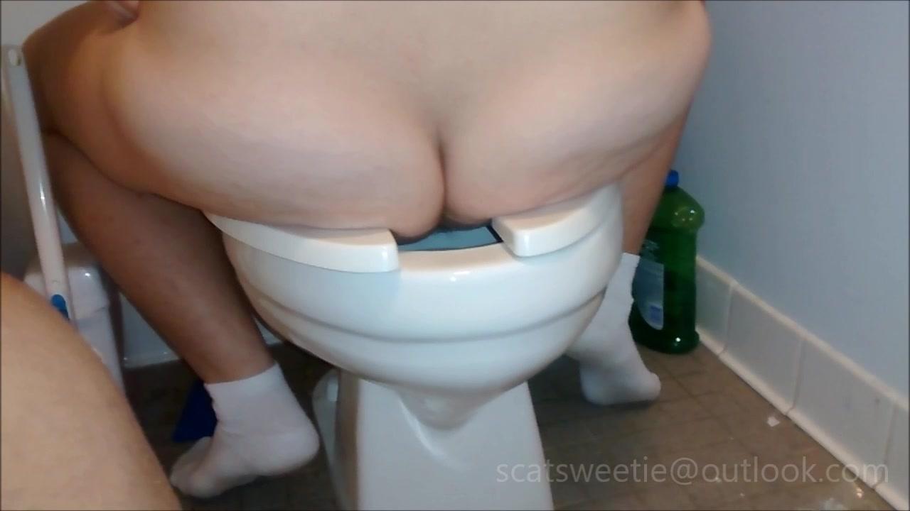 PoopPrincesses - Menstruating once again 00001